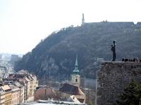 Mária szobra a Szabadság-szoborral